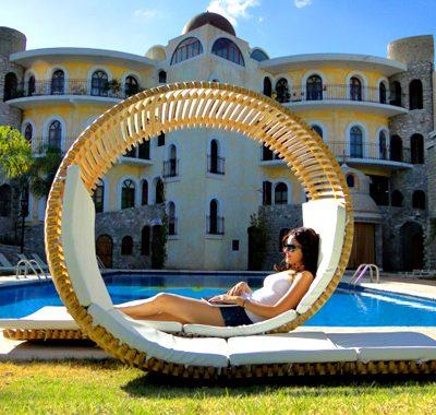 Chair of the Month – Loopita Bonita by Victor Aleman